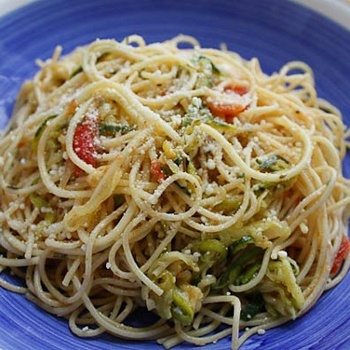 Angel Hair with Zucchini and Tomatoes | Vegan pasta