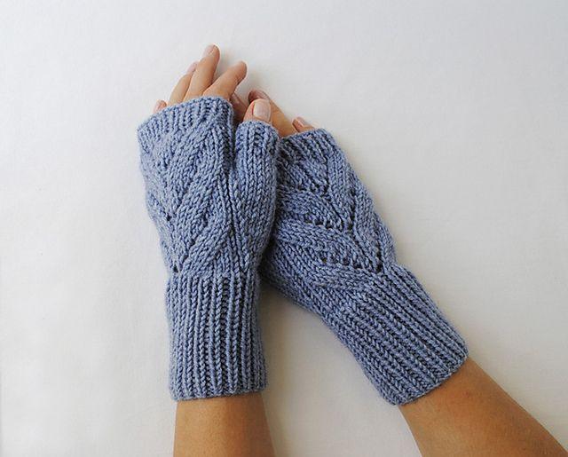 Fingerless Gloves Knitting Pattern Ravelry : Fingerless Gloves