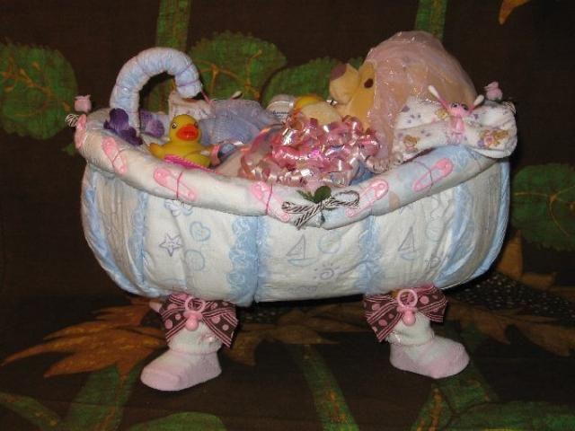 diaper bathtub diaper cakes pinterest. Black Bedroom Furniture Sets. Home Design Ideas
