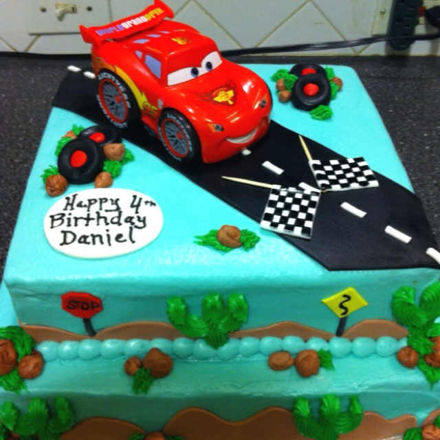 Lightning McQueen birthday cake Birthday Ideas Pinterest