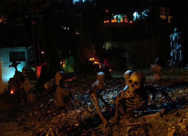 Halloween yard skeleton graveyard halloween pinterest for Pinterest halloween outdoor decorations