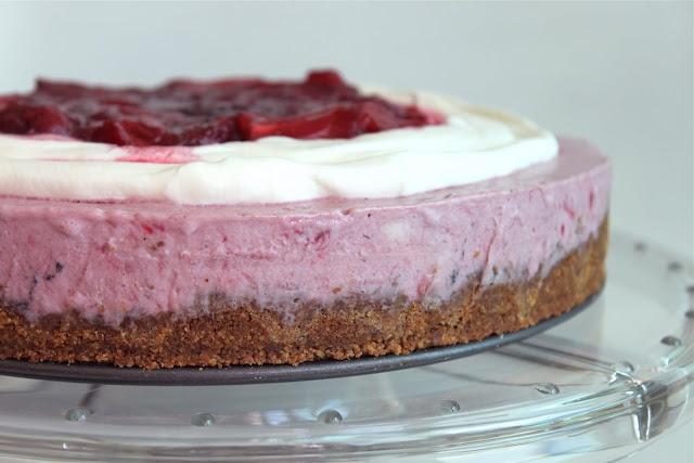 Rhubarb and Strawberry Icebox Pie. | Hey good lookin' what ya got coo ...