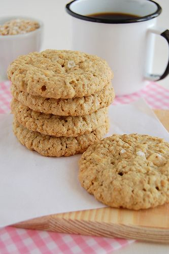 Crispy salted oatmeal white chocolate cookies