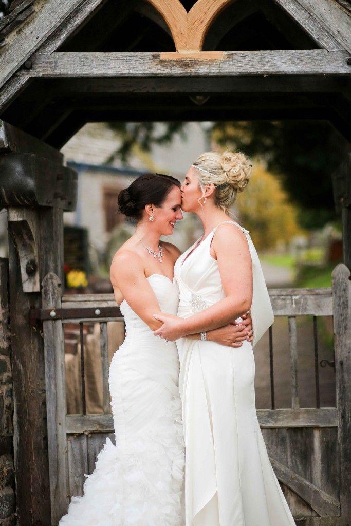 Онлайн видео невесты лесбиянки