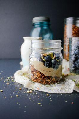 Blueberry Pistachio Parfait with Quinoa Granola and Maple Cashew Cream ...