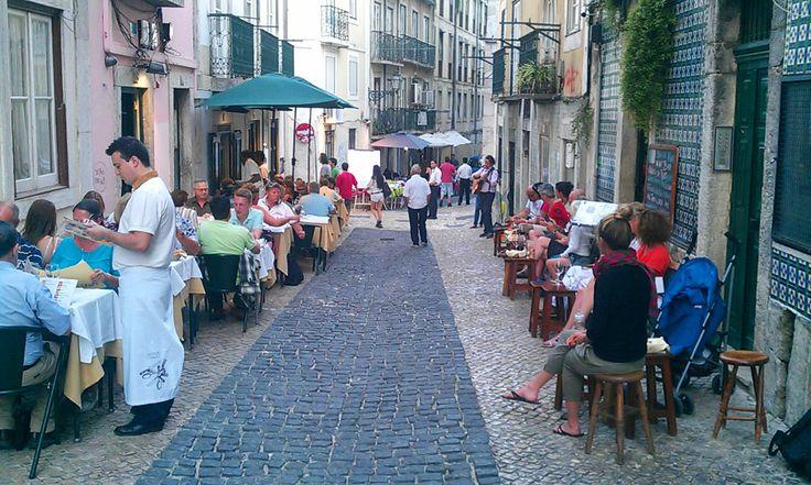 Cosy bars in Bairro Alto | RentTheSun