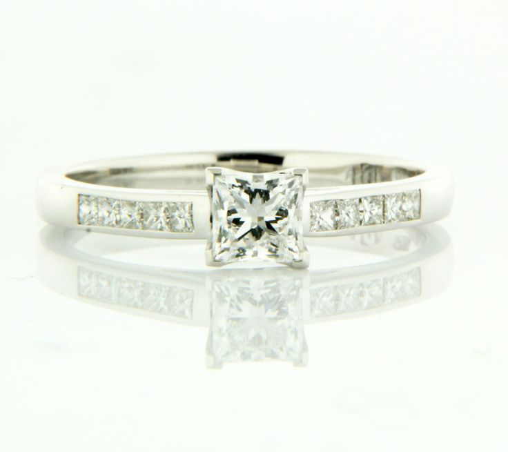 Stunning! Princess cut diamond engagement ring by Diamonds ...