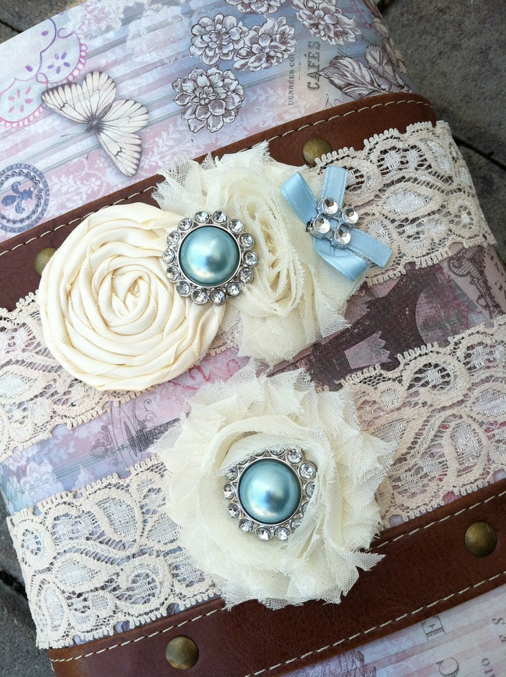 ivory wedding garter / bridal garter/ lace by whomadethatbow
