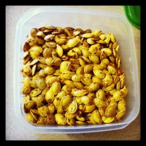 Garlic Chili roasted pumpkin seeds | Recipes | Pinterest