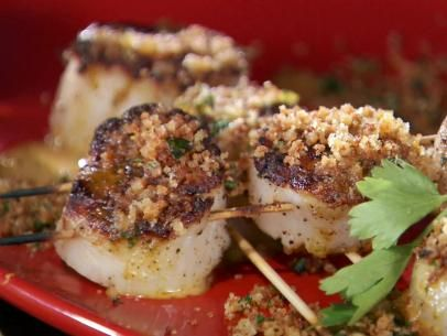 Grilled Sea Scallop Skewers with Creamy Hot Pepper and Garlic Vinaigr ...