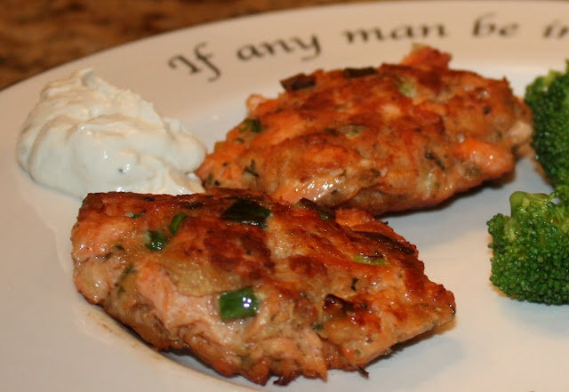 Salmon croquettes recipe Stephen you can use a can of salmon and ...