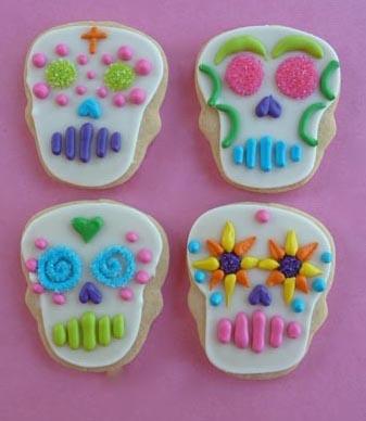 More Dia de Los Muertos cookies.