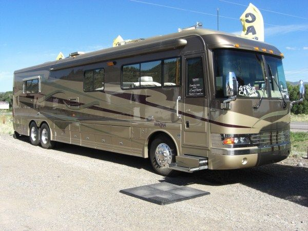 Pin by noah williams on lifestyle of the rich and awesome for Million dollar motor homes