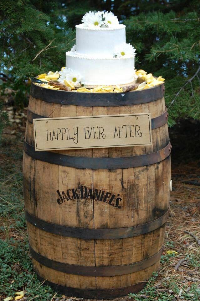 Using Whiskey Barrels For Wedding Cake Table Ideas 81023 W