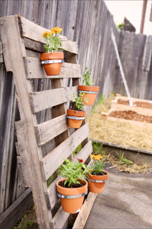 Pallet flower pot things to do pinterest for How to make plant pots from pallets