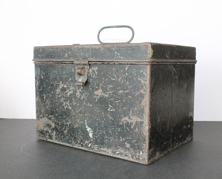 vintage black tin box oude blikken pinterest