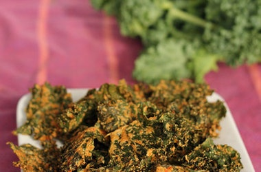 Cheesy Yet Vegan Kale Chips — Punchfork | Recipes to Try | Pinterest
