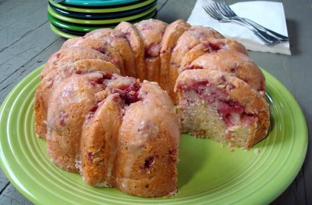 ... Recipes, Cooking Tips, and Food News | Fresh Strawberry Yogurt Cake