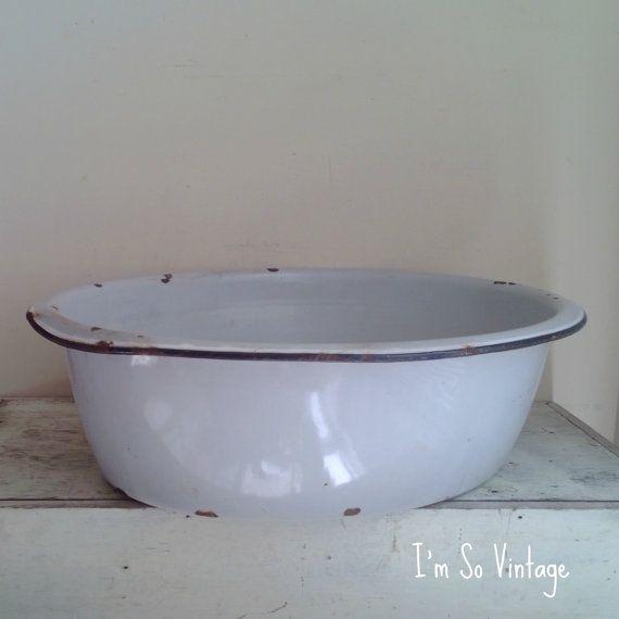 vintage enamel baby bath tub. Black Bedroom Furniture Sets. Home Design Ideas