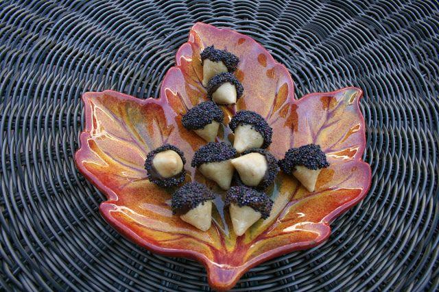 Chocolate Peanut Butter Acorns: Buckeye Acorns