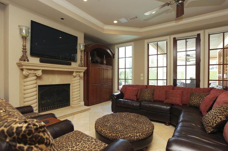 nice comfy looking living room