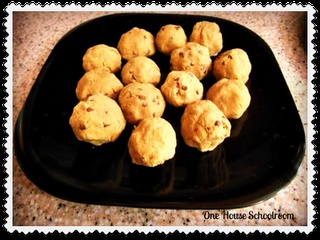 Sunflower Seed Butter Chocolate Chip Cookies {Recipe}