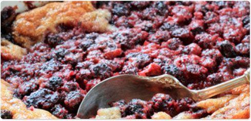 Nectarine and Blackberry Crisp with Crème Fraîche #30DaysofCAdairy