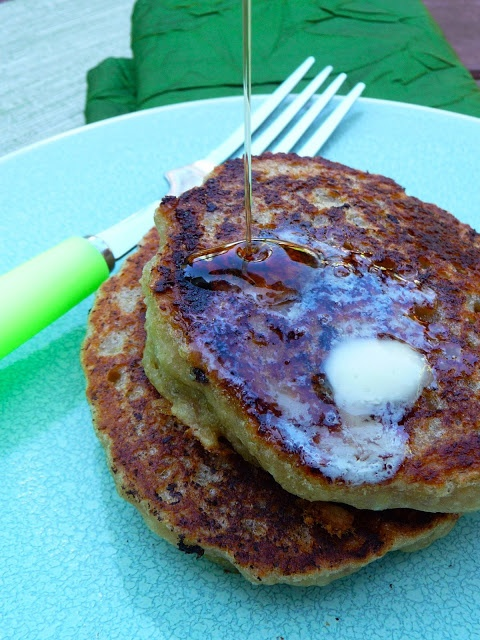 The Daily Dietribe: St. Patrick's Day Banana Bacon Pancakes (Gluten-Free, Egg-Free, Dairy-Free, Vegan Options)