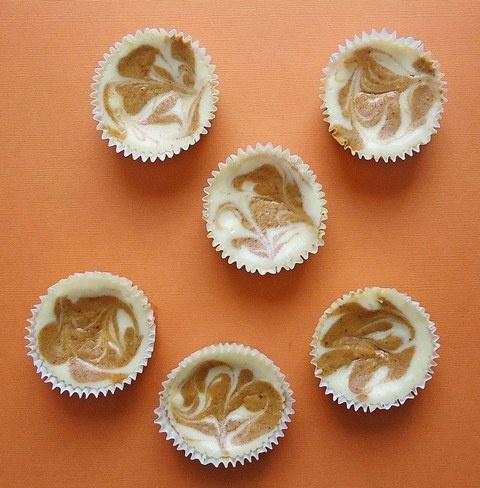 Mini Pumpkin Swirl Cheesecakes | Cakes & Brownies | Pinterest