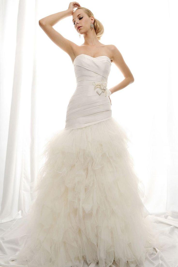 Heart neckline wedding dress mermaid gowns pinterest for Wedding dress heart shaped neckline