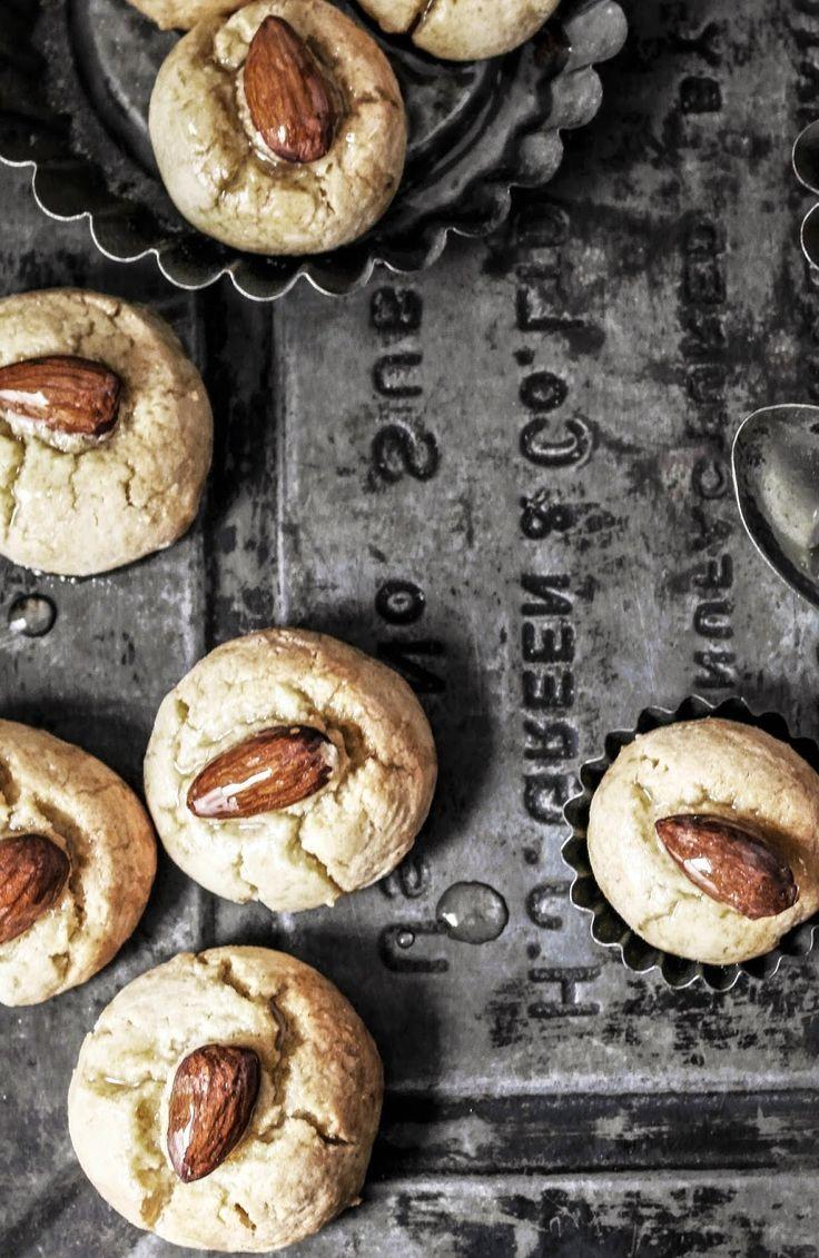 syrup soaked turkish shortbread | Mis suculentas galletas | Pinterest