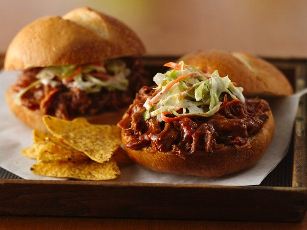 Slow Cooker Pulled Jerk Pork Sandwiches... Just need to make low carb ...