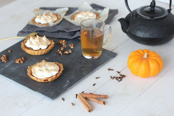 ... caramélisées / Meringue pie with pumpkin and caramelized pecans