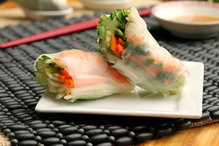 Step by step Shrimp Spring Roll recipe can also add basil and mint and ...