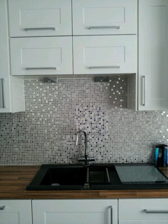 Silver kitchen wallpaper 2017 grasscloth wallpaper for Silver kitchen wallpaper