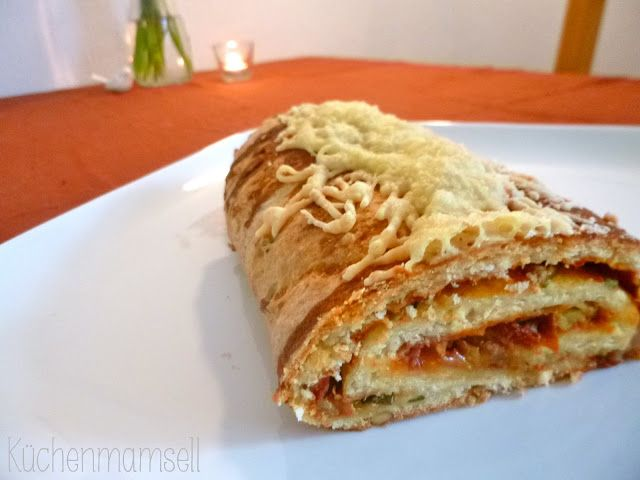 gefülltes pizzabrot stuffed pizza bread http kuechenmamsell