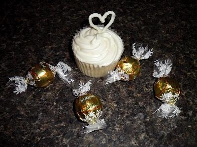 White Chocolate Truffle Cupcakes with White Chocolate Cream Cheese ...