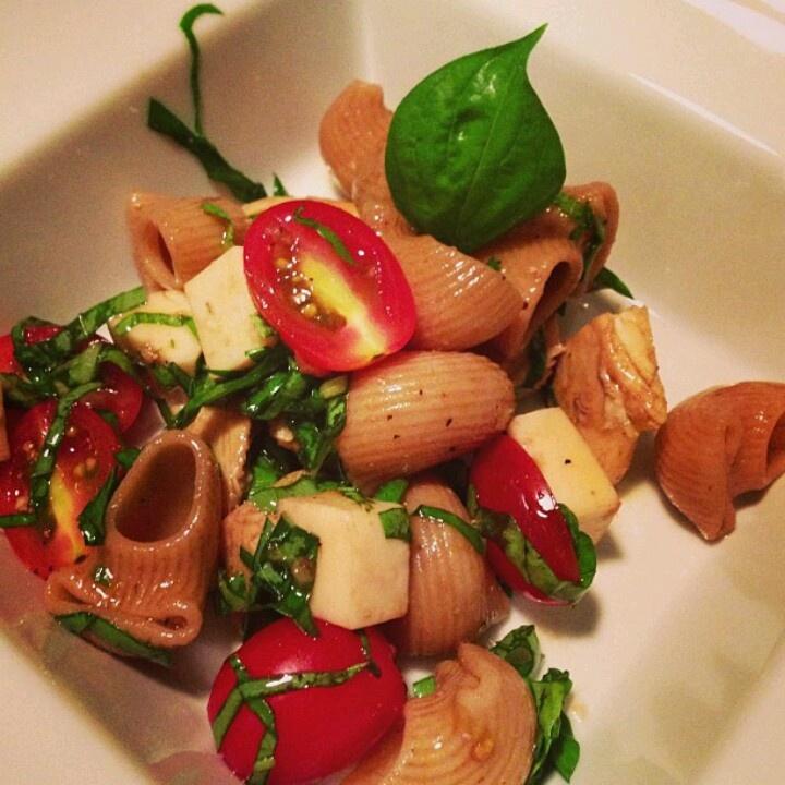 Caprese pasta salad w/chicken | Healthy Recipes | Pinterest