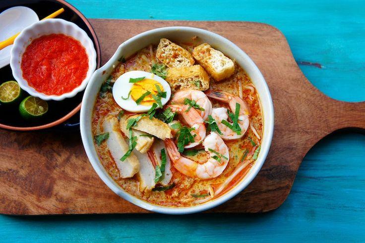 ... bean sprouts, tofu puffs, prawns, fish cakes, hard-boiled eggs, Daun