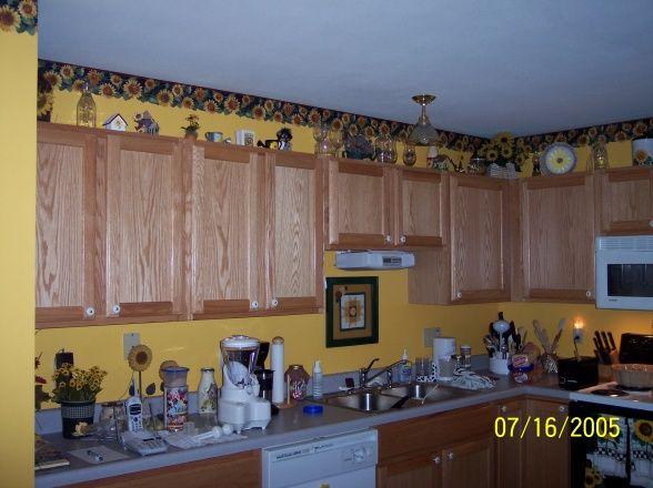Sunflower theme kitchens pinterest for Sunflower kitchen ideas