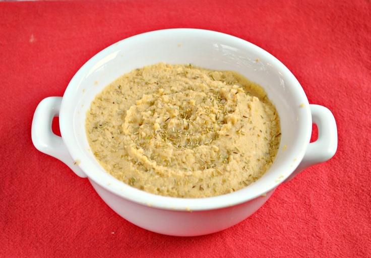 Lemon, Garlic & Rosemary Hummus - Ah, simple and looks delicious!