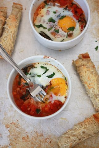 Baked Eggs with Tomato & Spinach | Recipes For Home | Pinterest