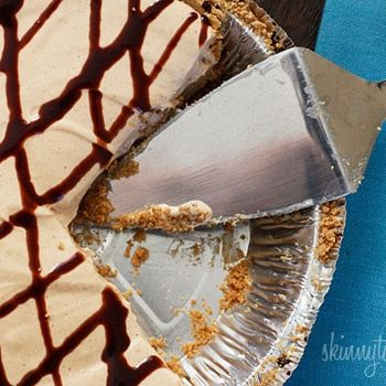 Skinny No-Bake Peanut Butter Pie--you have to click on the link to ...