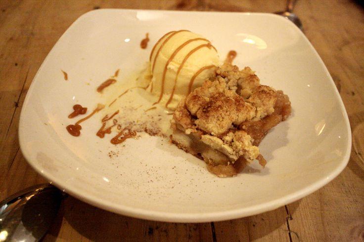 Tarta de manzana con helado - Restaurante Mr Frank, Madrid