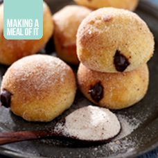 Oven baked chocolate doughnuts | danish/cinnamon buns/breads/donuts ...