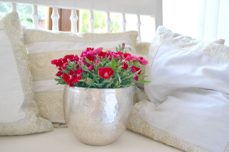 silver flower pot - great accessoire for indoor flowers & plants and to decorate tables