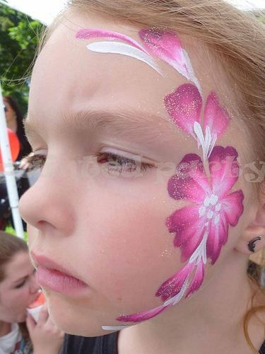 Stargazer Blossom face painting.
