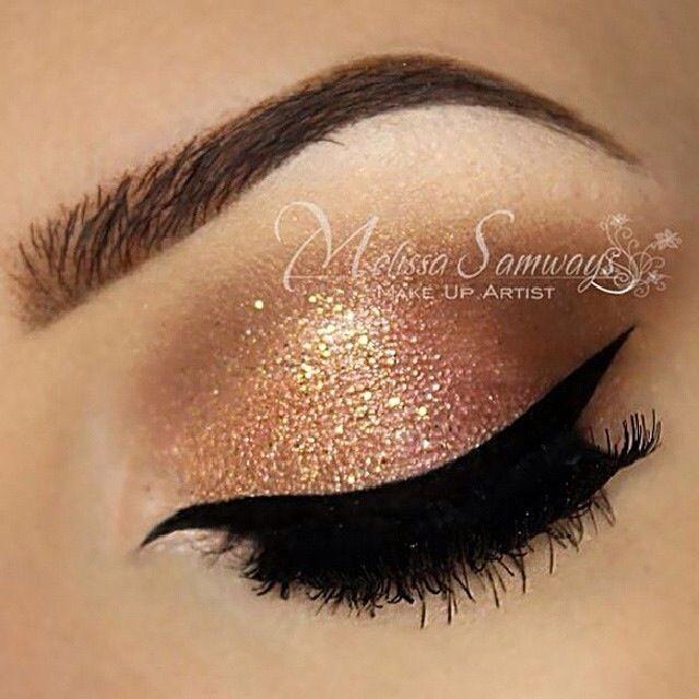 Gold eyeshadow   Toda mulher pode!!   Pinterest