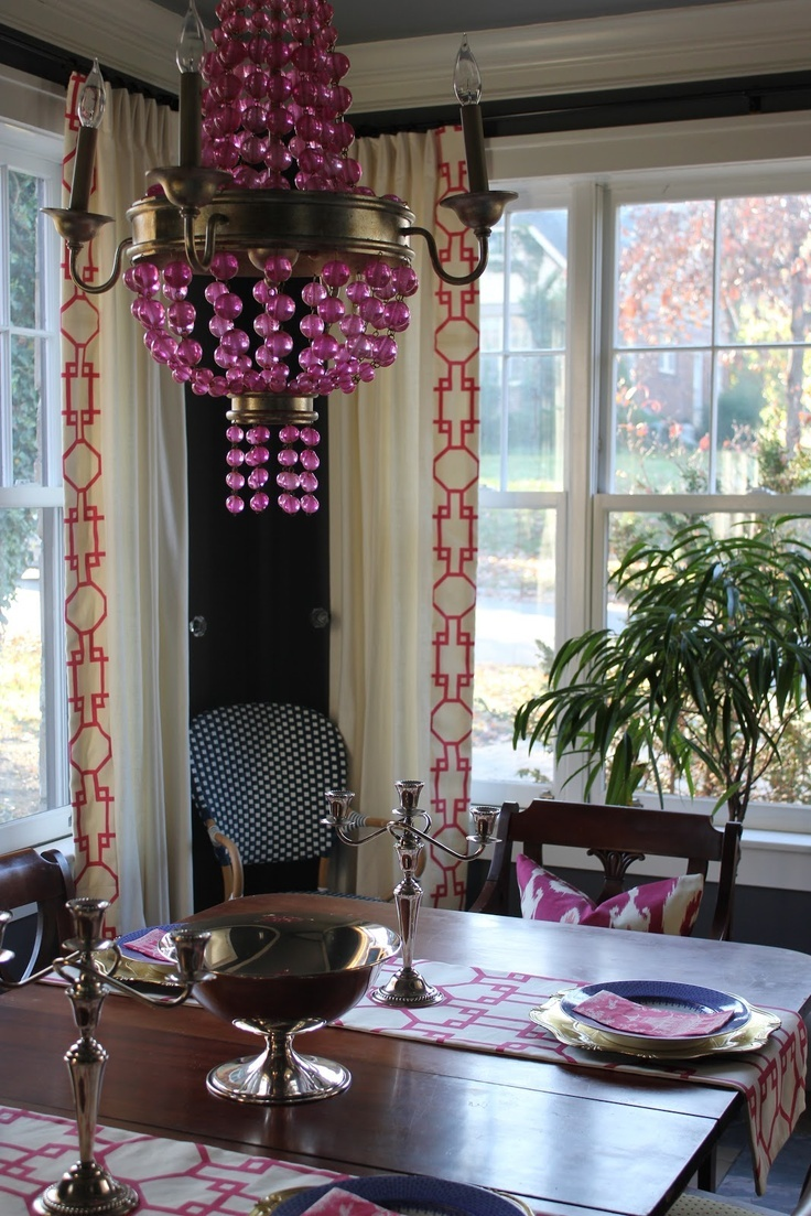 Navy & pink dining room, like that pink and gold chandelier