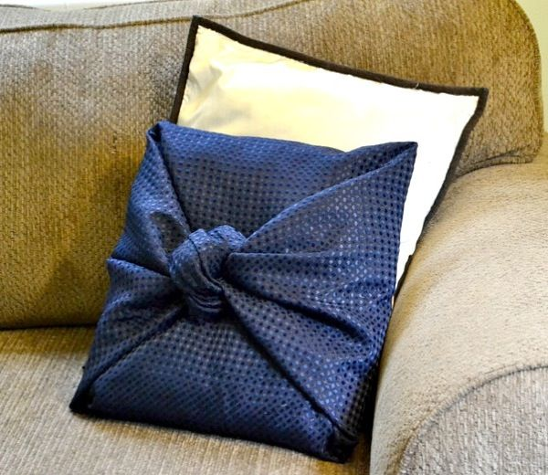 Diy Throw Pillow Cover No Sew : No-Sew Throw Pillow Cover Crafts and DIY Decor Pinterest